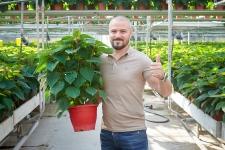 International Bloemen reușește să străbată granițele și să elimine intermediarii, reușind să dezvolte parteneriate direct cu producătorii din industria florală!